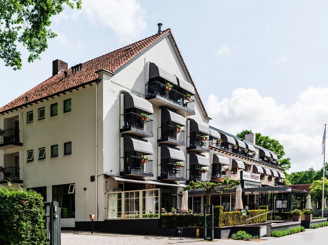 Paviljoen Hotel Rhenen Utrecht Vooraanzicht