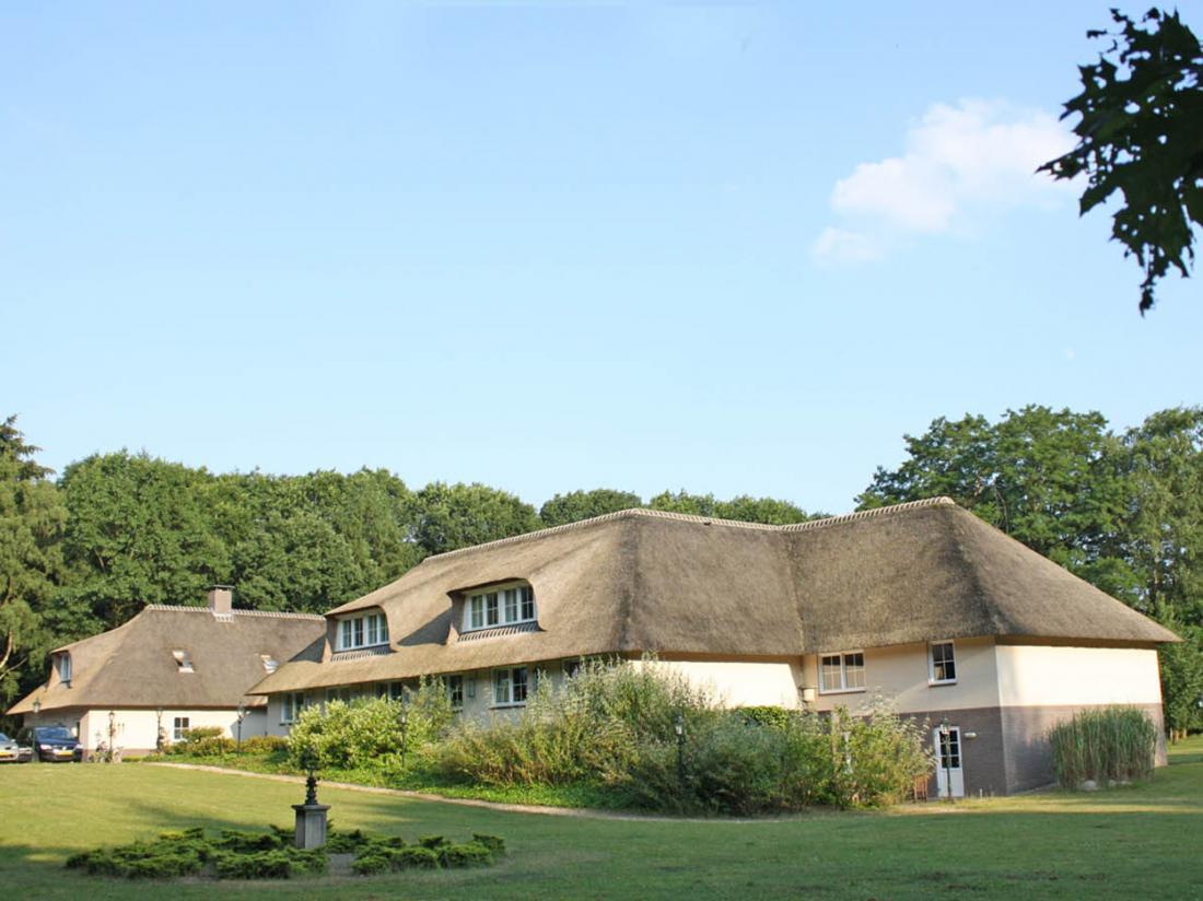 Landhuishotel Herikerberg Salland Twente Overijssel Zijaanzicht